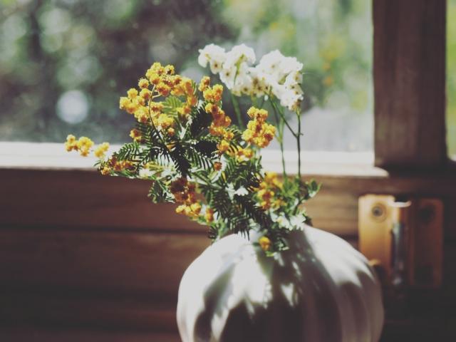 野の花生け花